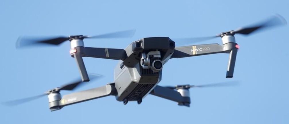 Pilotar dron